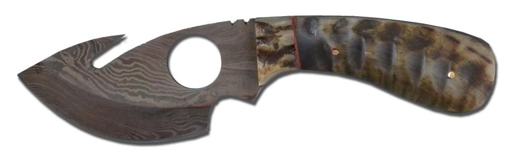 Damast Skinnermesser mit Widderhorn